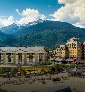 rocky mountaineer golden circle whistler holiday