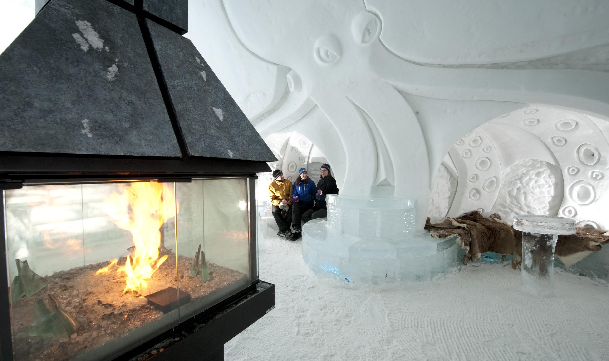 quebec winter wonderland canadian affair. Black Bedroom Furniture Sets. Home Design Ideas