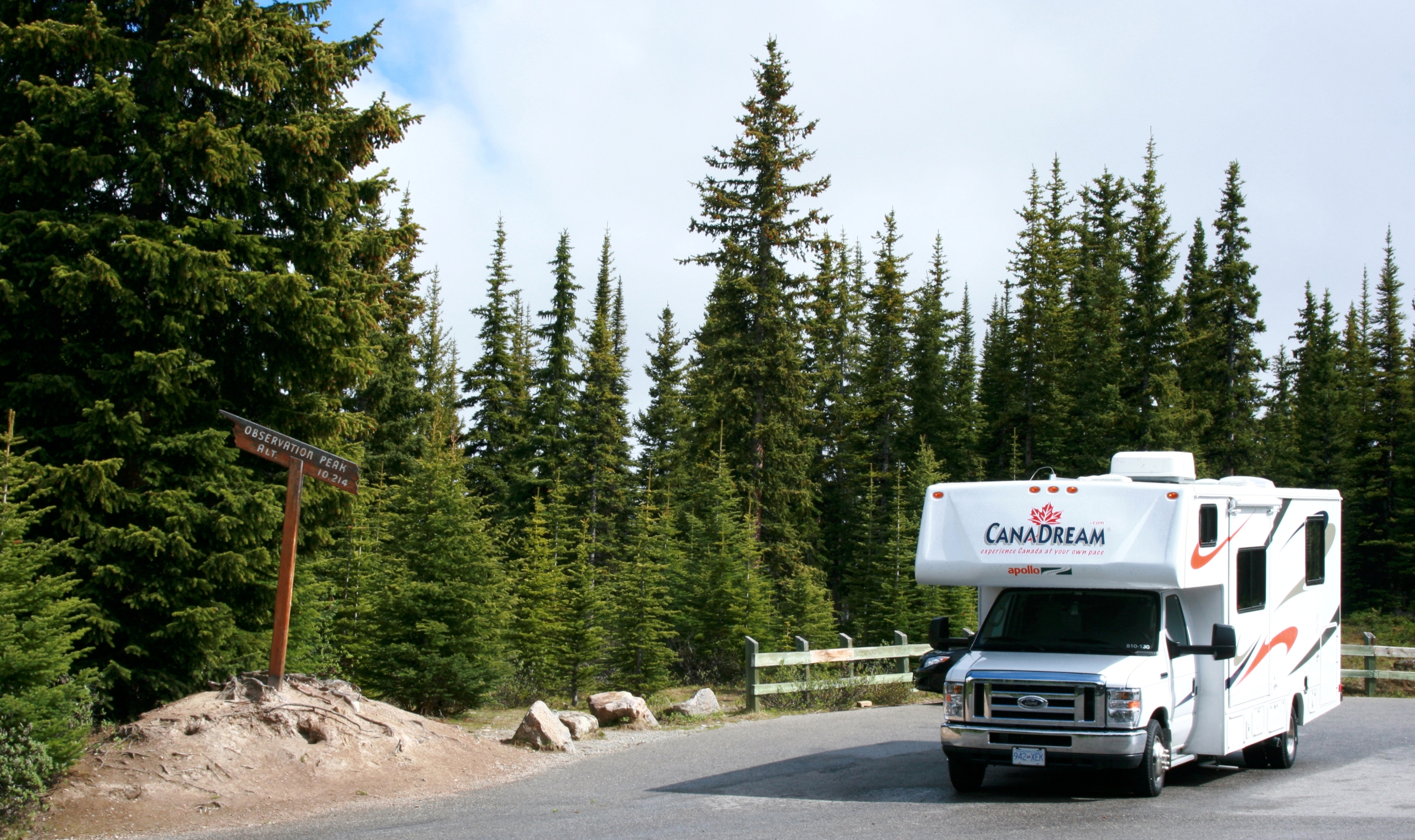 Canadream maxi motorhome canadian affair for Rocky waters motor inn fire damage