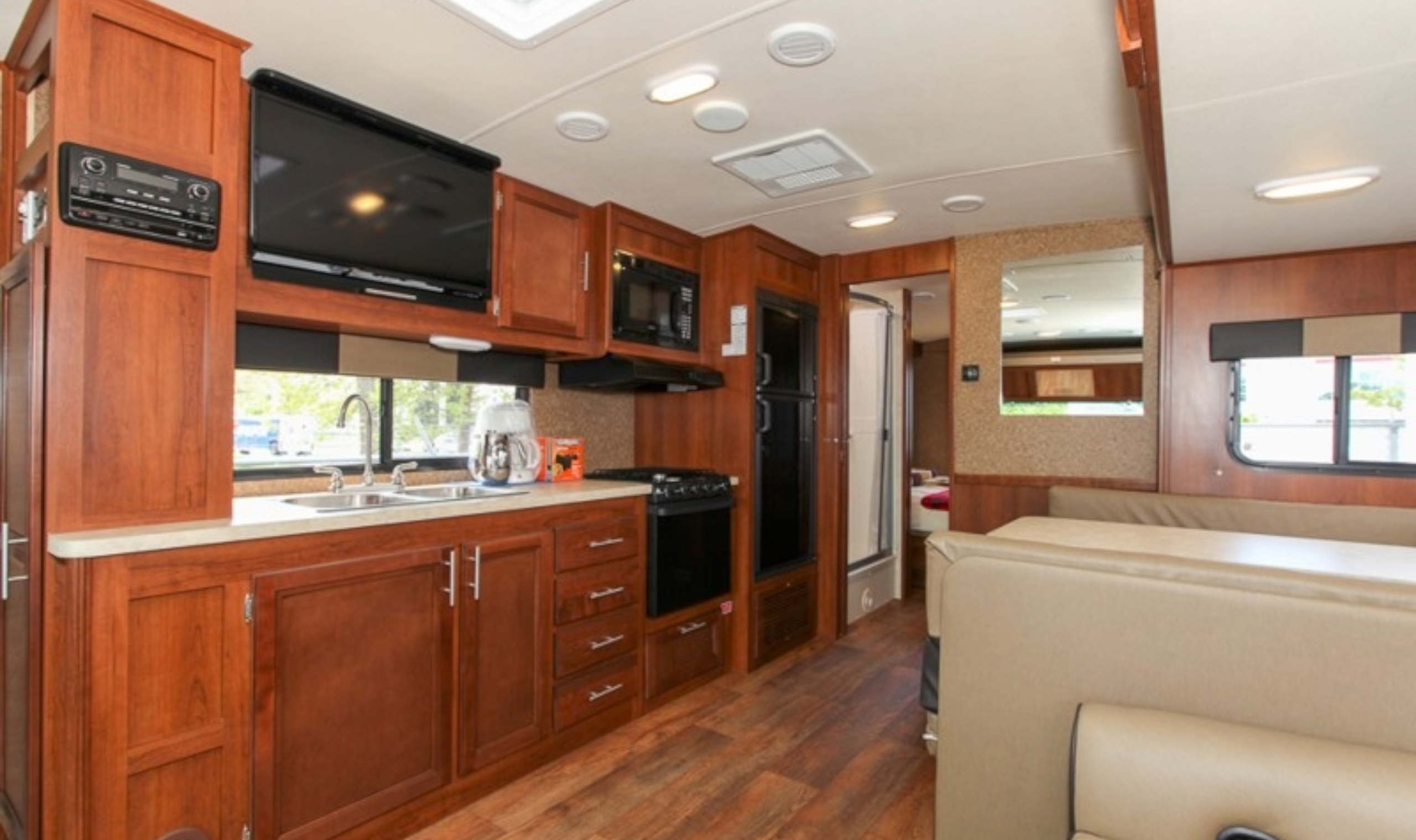 Fraserway A30 Luxury Motorhome Canadianaffair Com