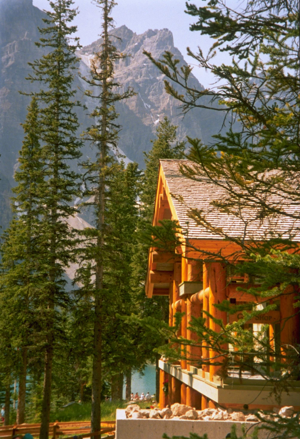 Moraine Lake Lodge Lake Louise Canadian Affair