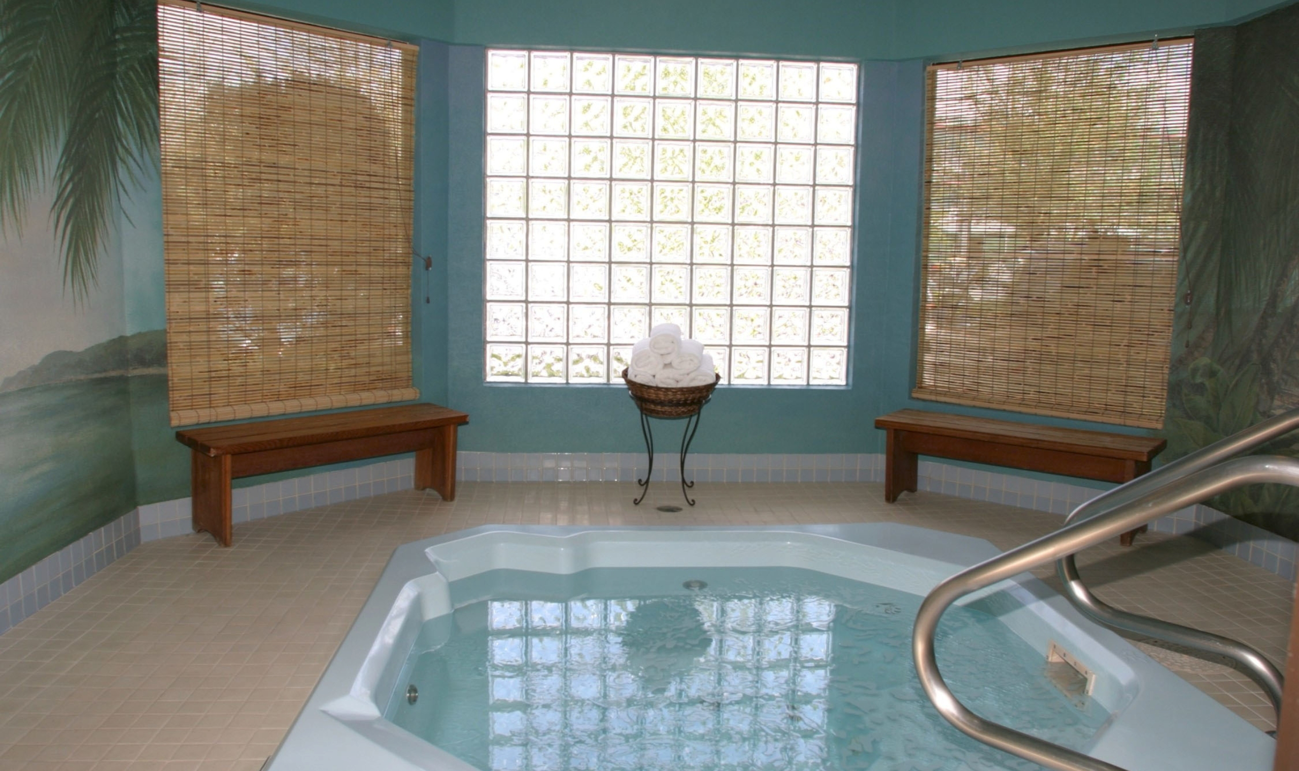 Hotels In Kelowna With Jacuzzi In Room