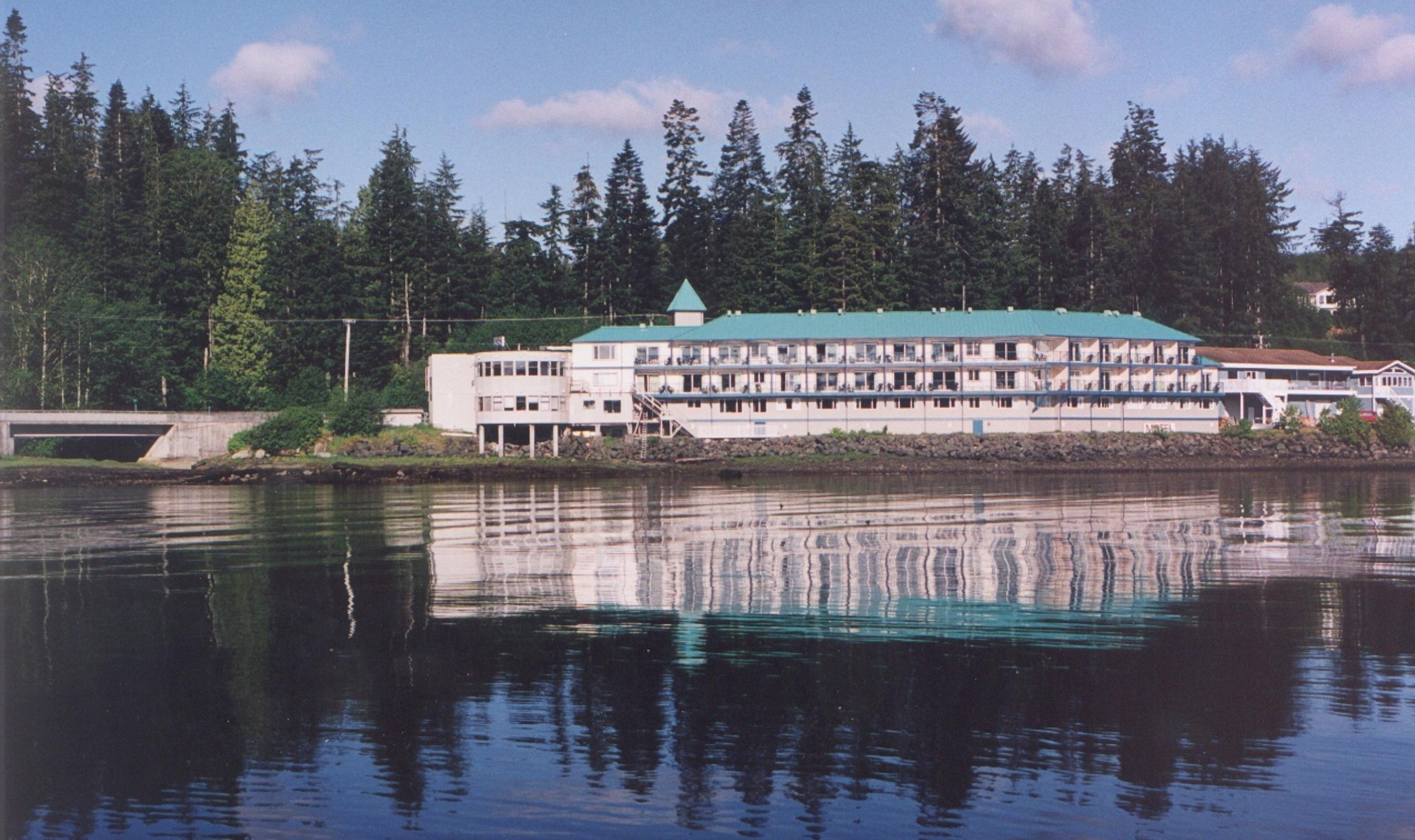 Glen Lyon Inn Port Hardy Canadian Affair