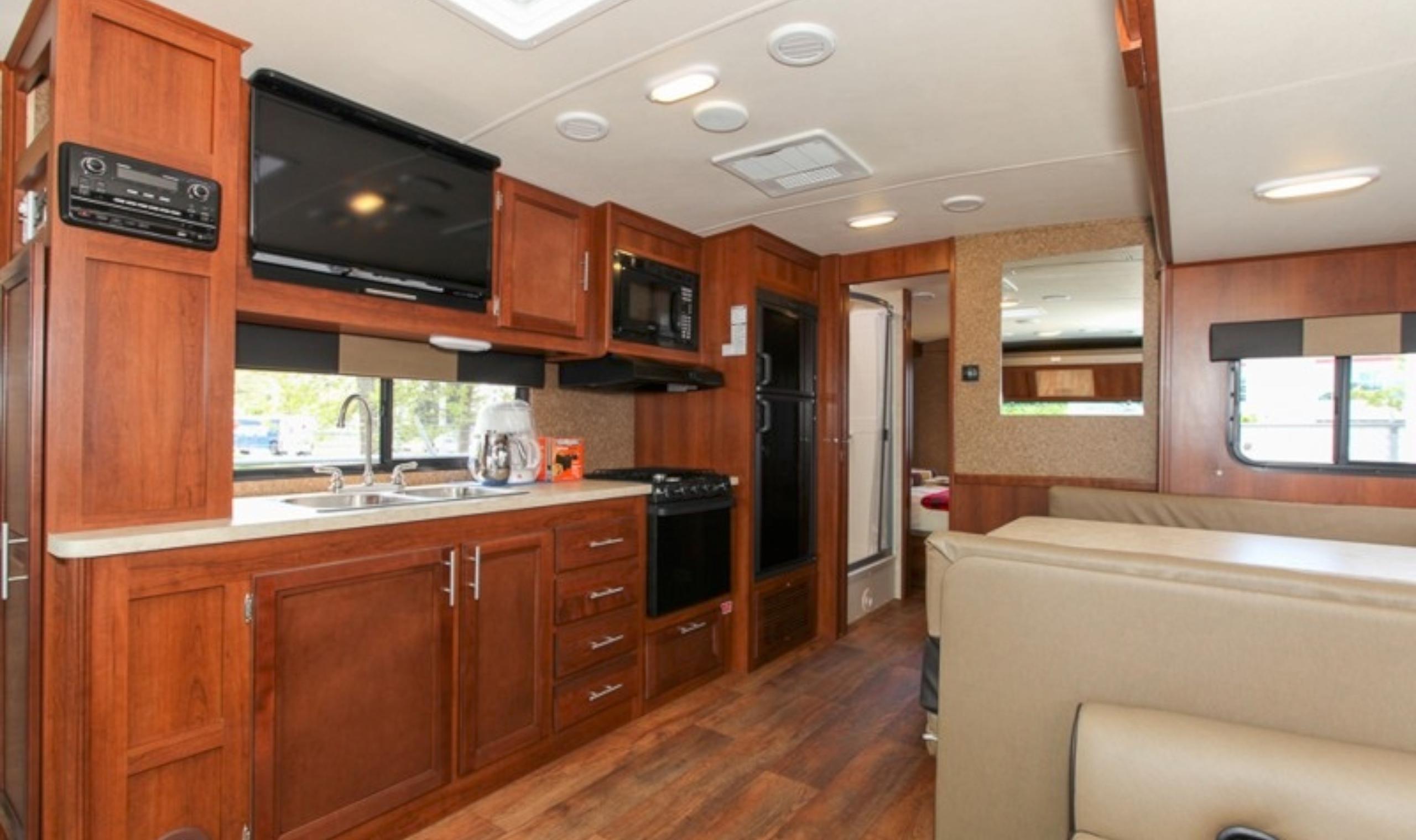 Fraserway A30 Luxury Motorhome Canadianaffair Com