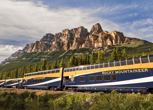 Rocky Mountaineer Train Tours