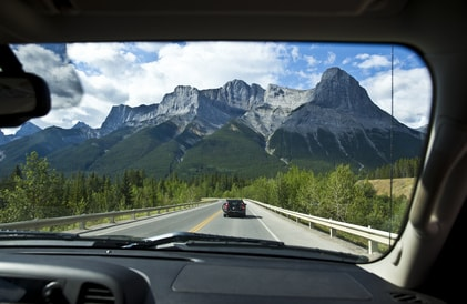 Driving on the Icefields Parkway