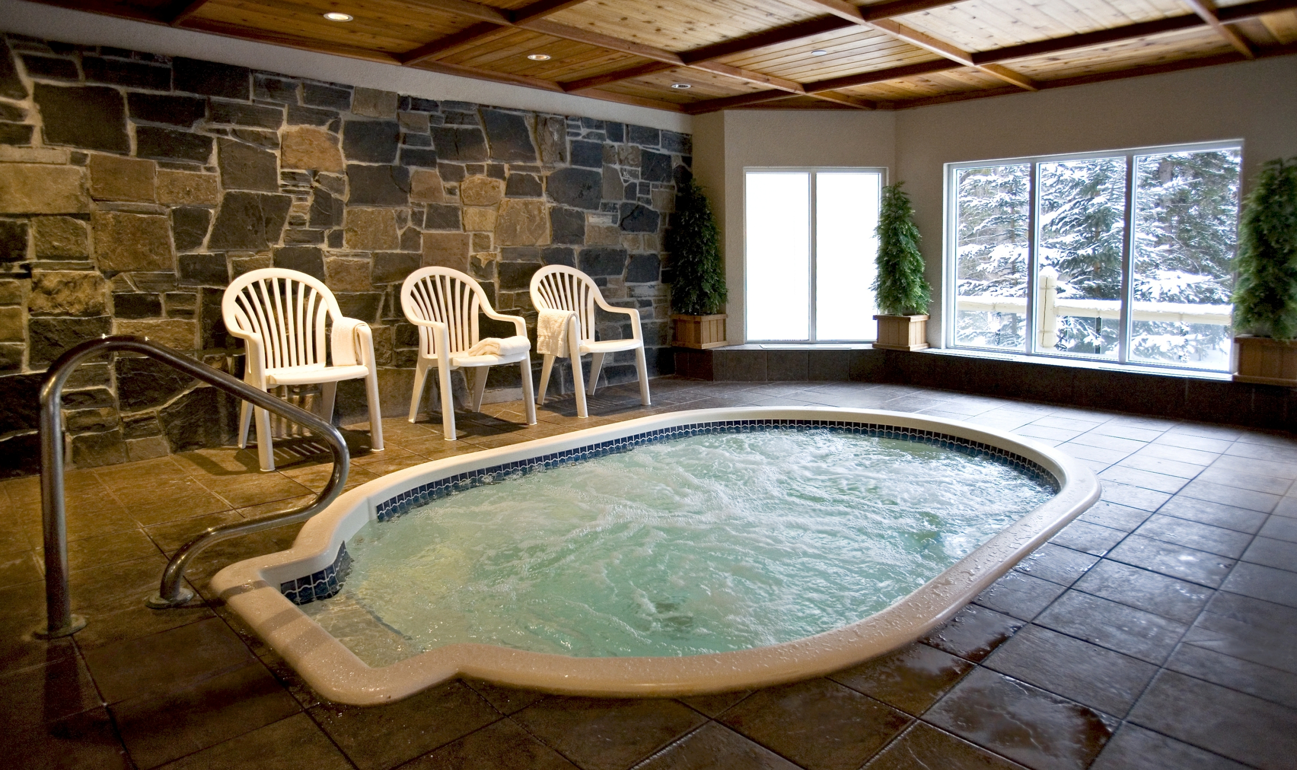 White Mountain Hotels With Jacuzzi In Room