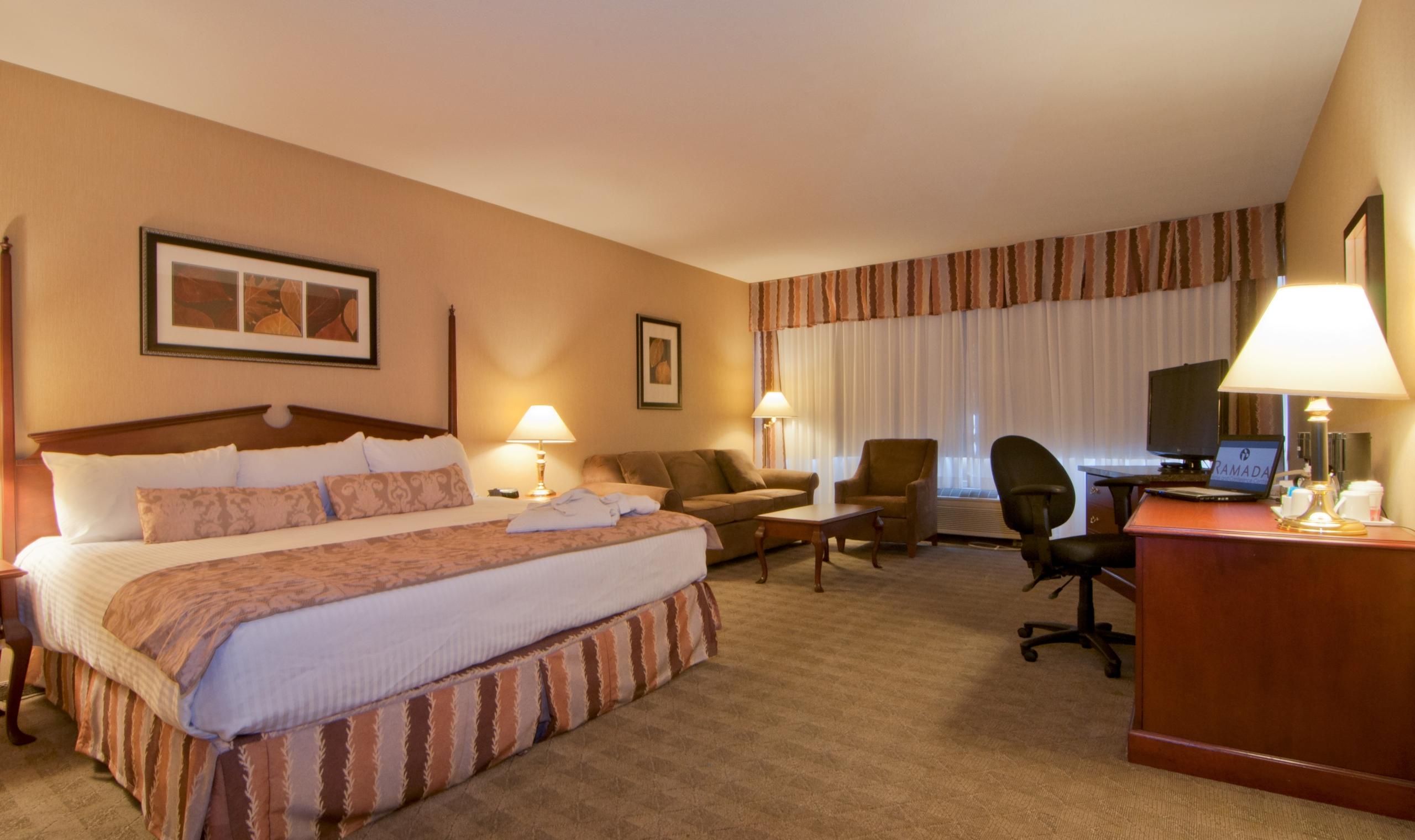 Ramada Lodge Hotel Kelowna Kelowna Canadian Affair