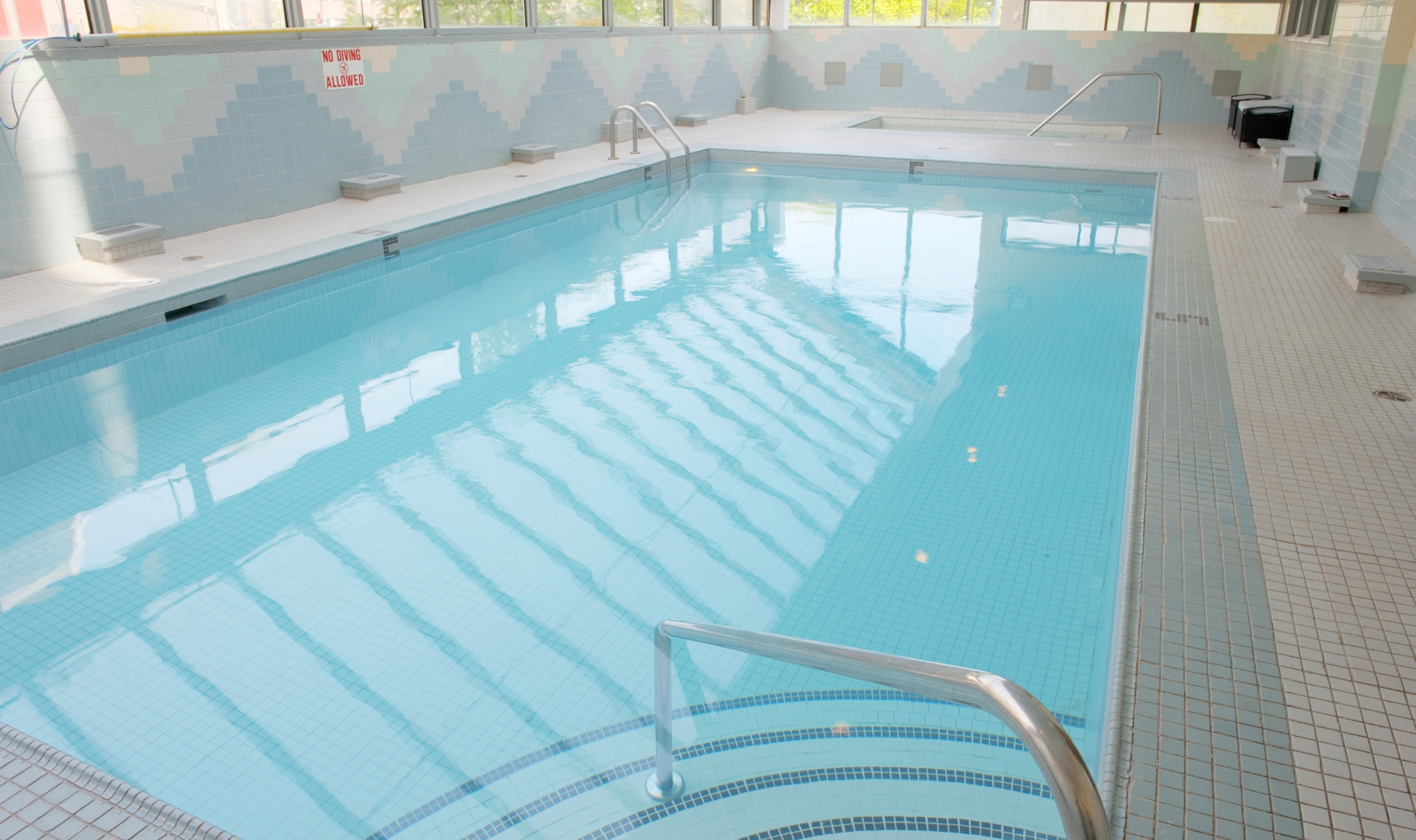 Sandman hotel vancouver city centre vancouver canadian affair for Indoor swimming pools vancouver