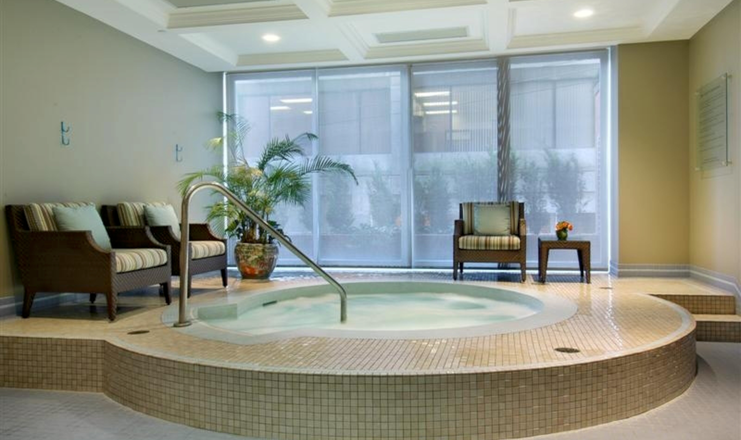 Vancouver Bc Hotels With Jacuzzi In Room