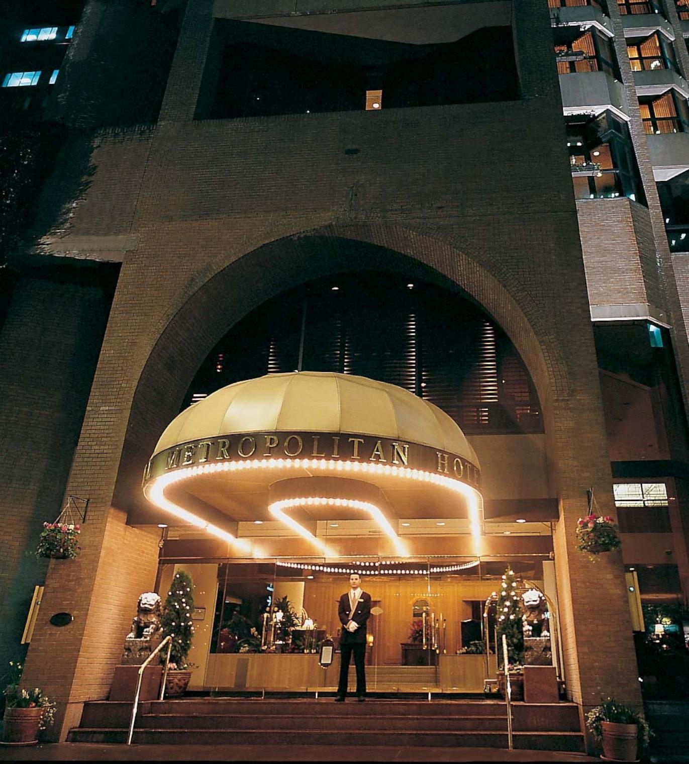 Hotel Exterior: Metropolitan Hotel Vancouver - Vancouver