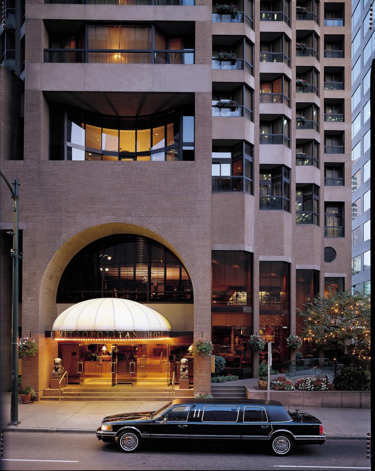 Exterior: Metropolitan Hotel Vancouver - Vancouver