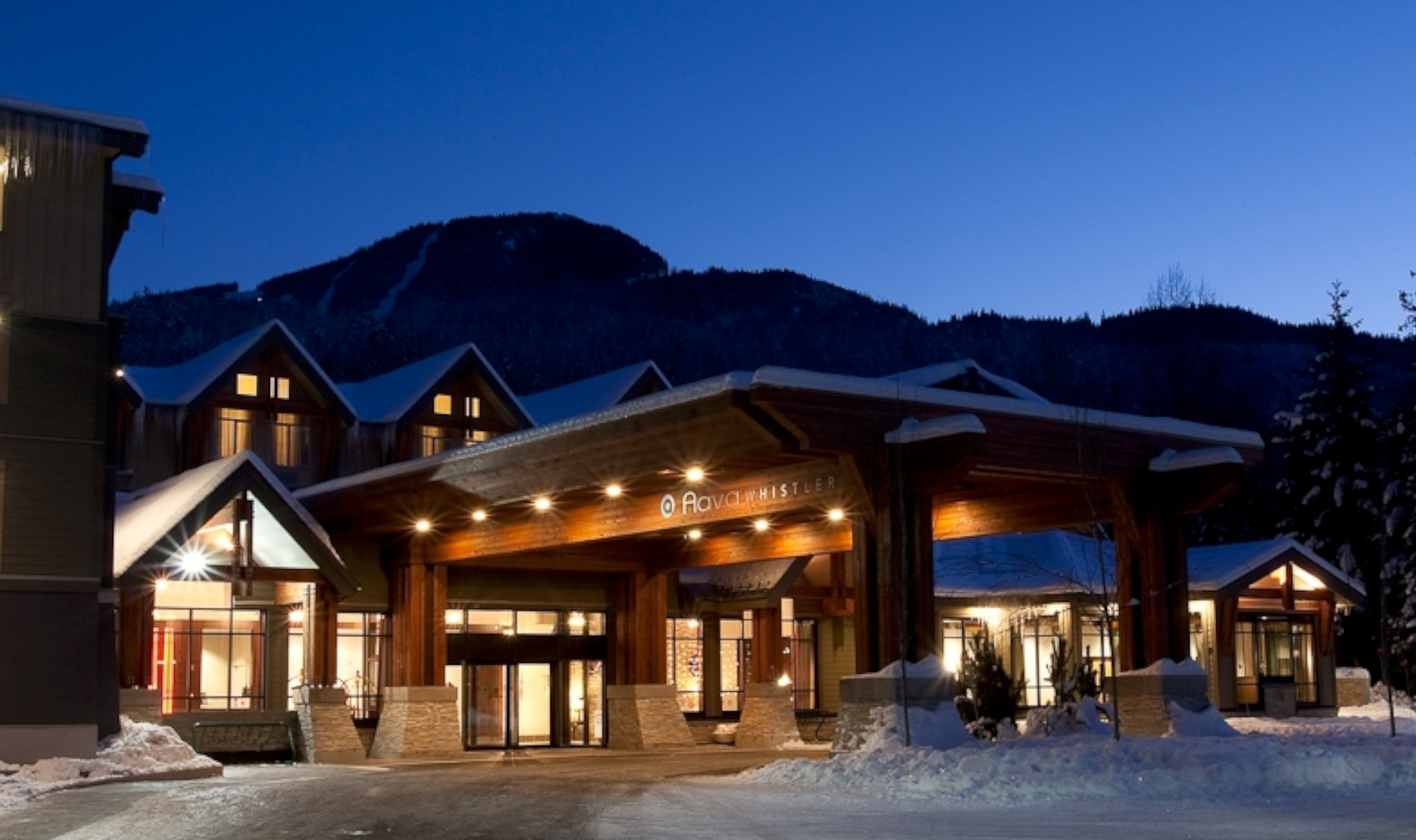 Hotel Exterior: Aava Hotel - Whistler
