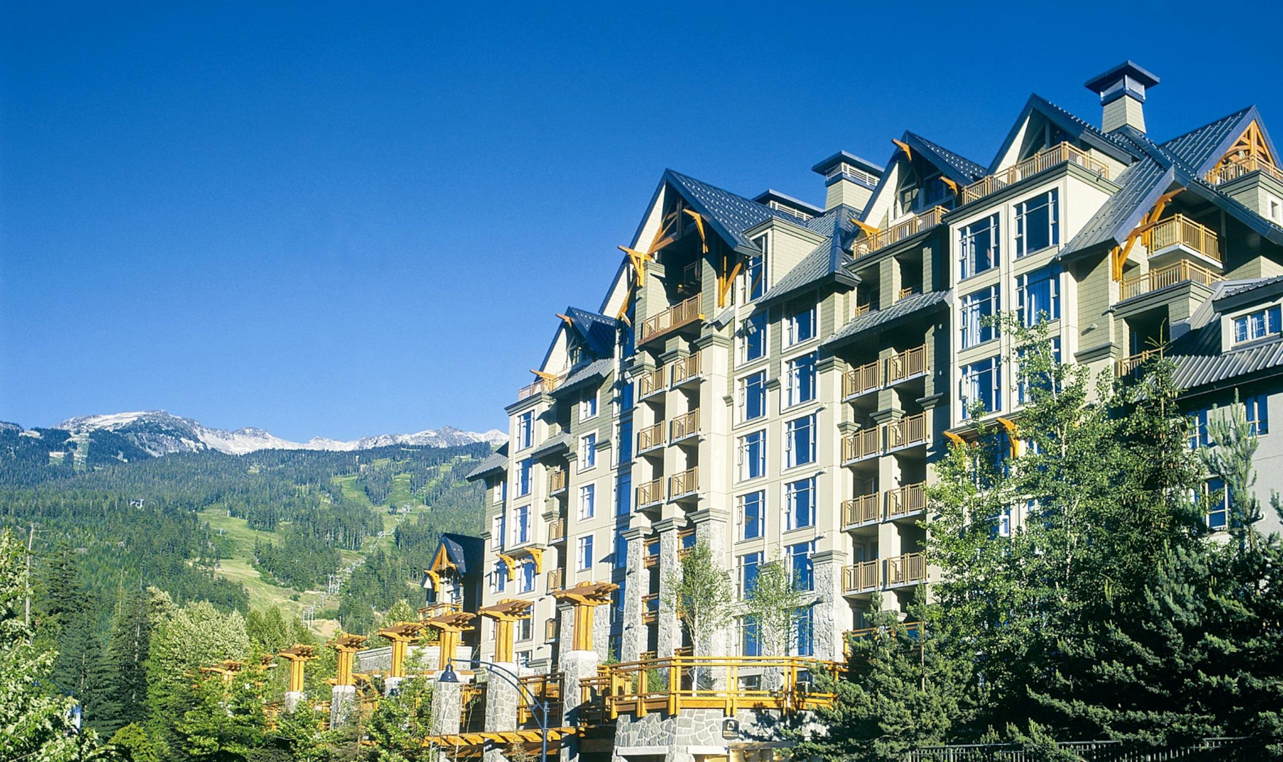 Hotel Exterior: Pan Pacific Whistler Village Centre - Whistler