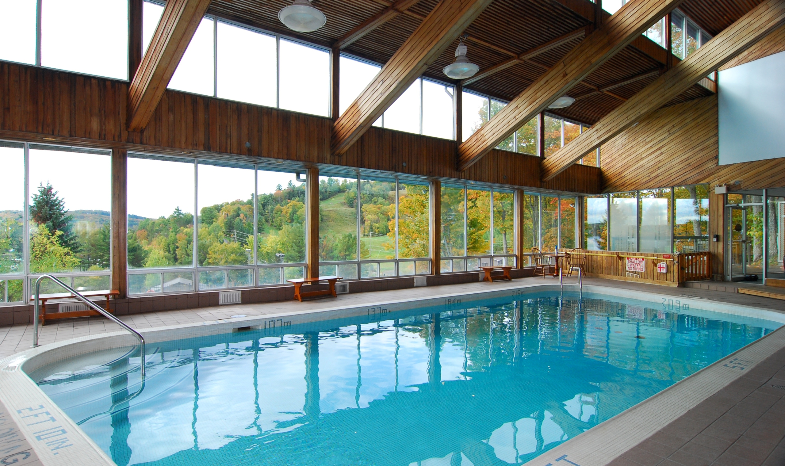 Huntsville Ontario Hotels With Pool