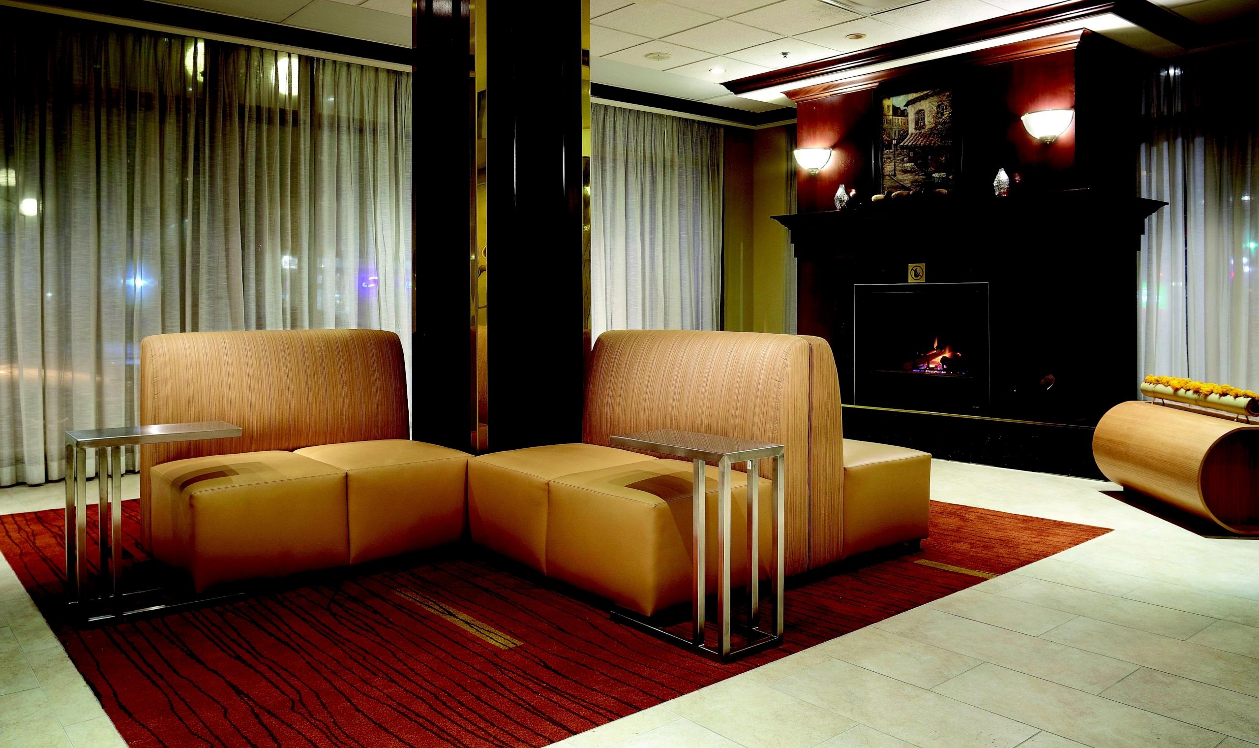 courtyard by marriott ottawa downtown ottawa canadian. Black Bedroom Furniture Sets. Home Design Ideas
