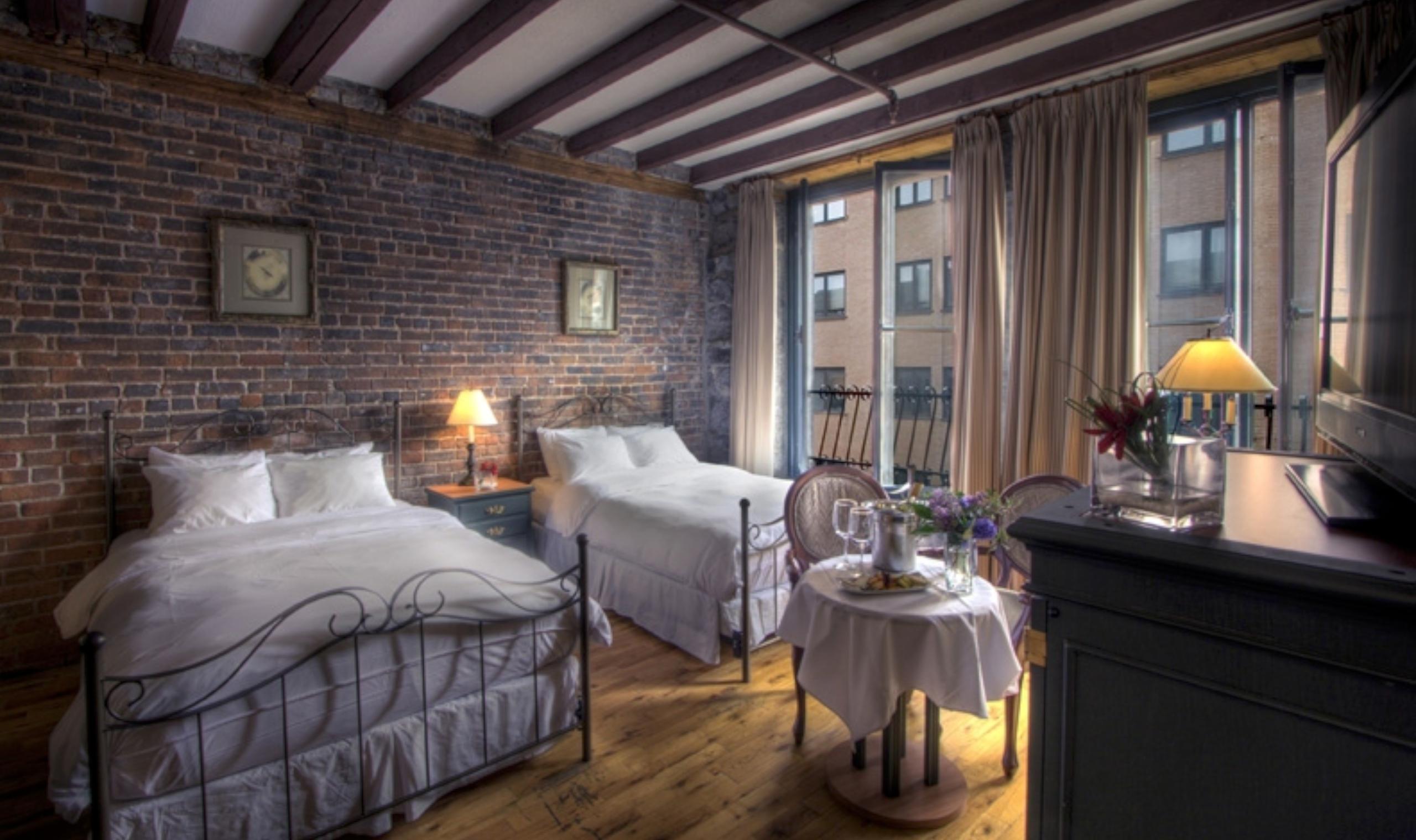 Auberge du vieux port montreal canadian affair for Design hotel berge