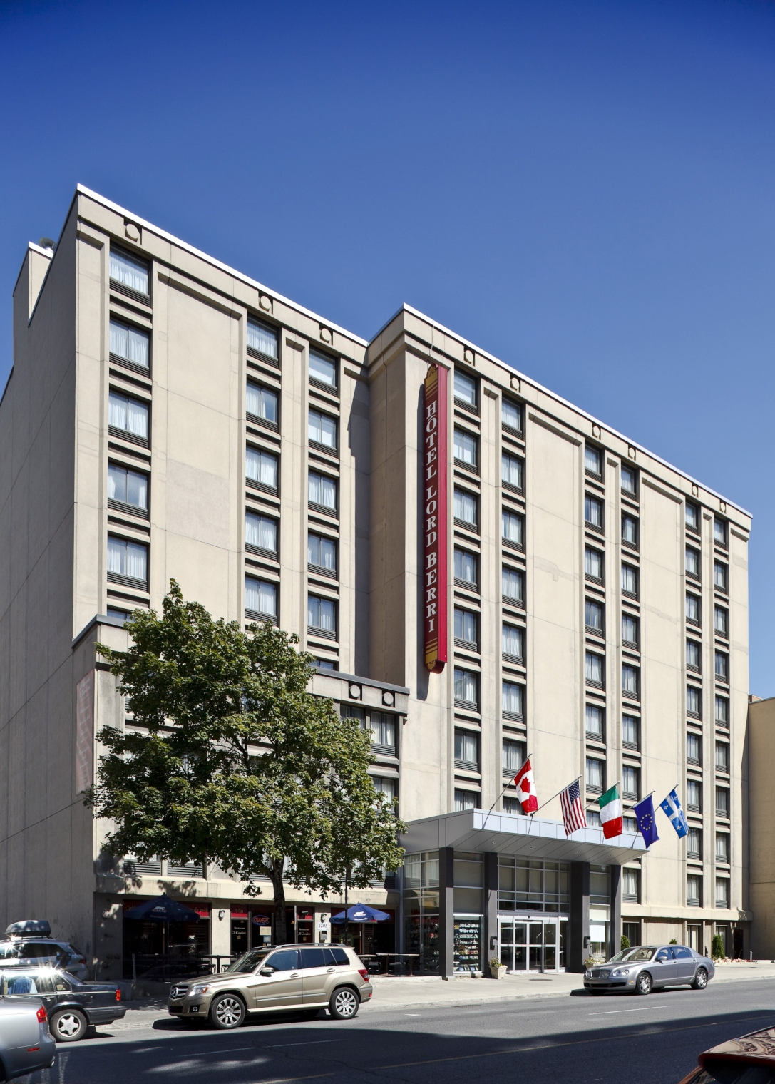 Old Montreal Hotels With Free Parking
