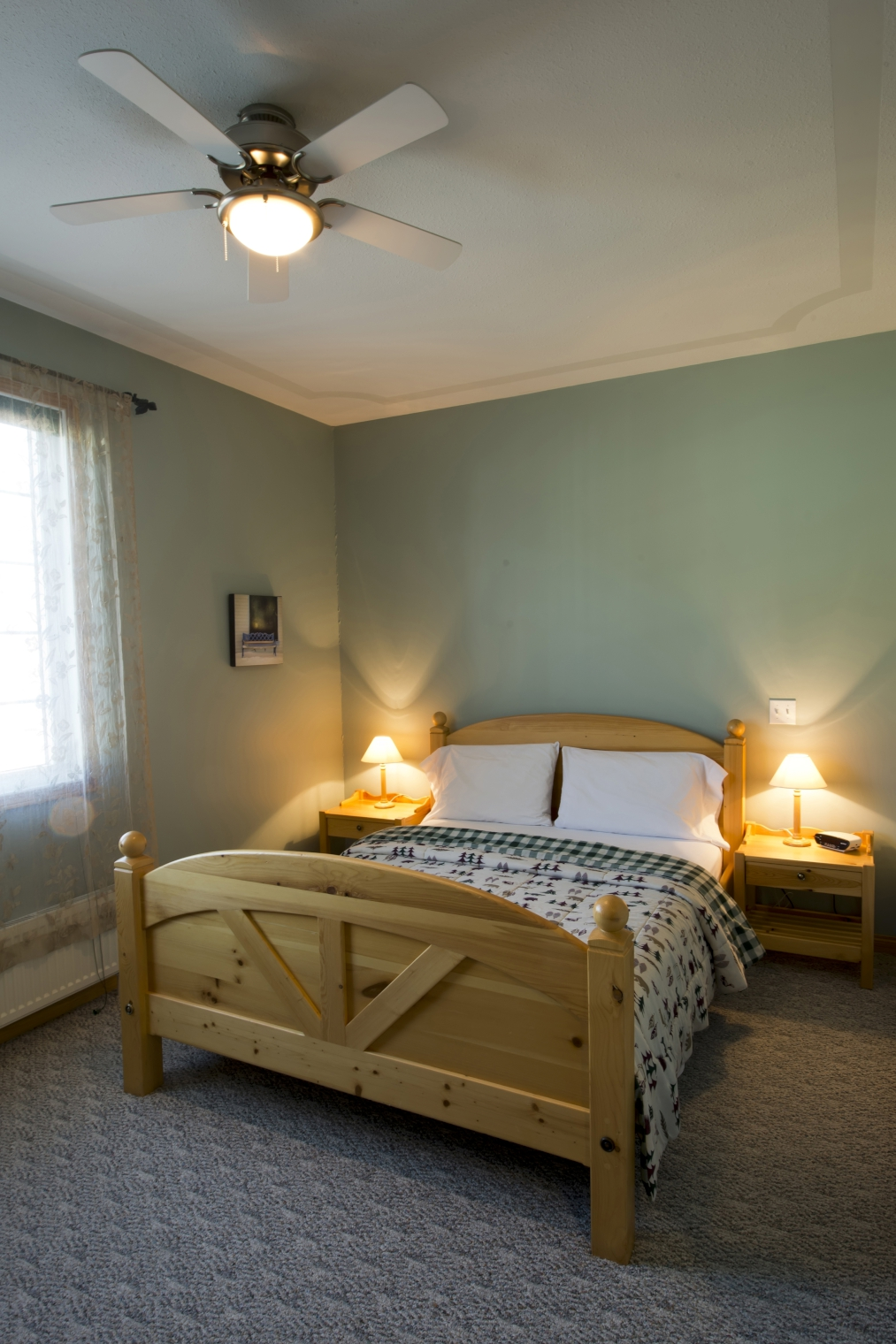 Farmers Only Reviews >> Aurora Inn Dawson City - Dawson City | Canadian Affair
